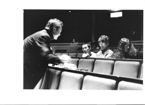 Makoto Ishigawa est à l'origine des Masterclass données au Japon Sur la photo Lorrina B. la chorégraphe Toshiko Takeushi et le cineaste Toshi Fujiwara